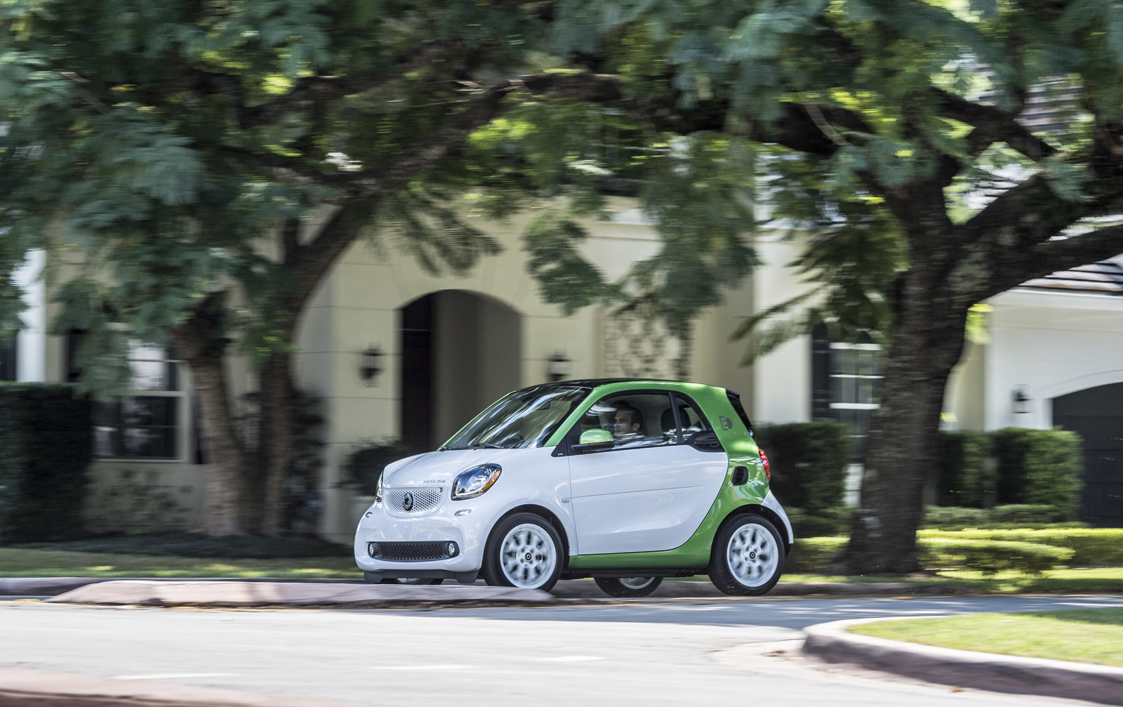 Foto de smart fortwo Electric Drive, toma de contacto (99/313)