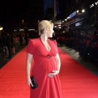 ¿Quién dijo miedo a la alfombra roja estando embarazada? Kate Winslet no