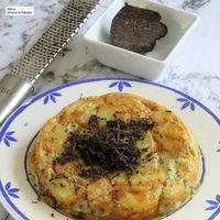 Tortilla de patatas y trufa, sabor intenso en una receta ideal para la cena