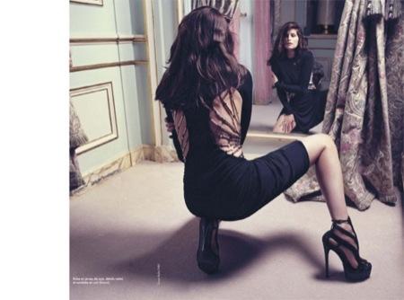 El renacer de Laetitia Casta: las curvas más sensuales, Gucci