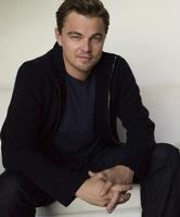 Robert Pattinson tiene un nuevo compi con el que ahogar las penas: Leonardo DiCaprio