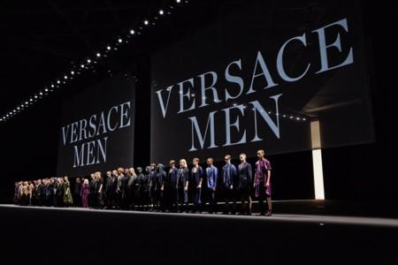 Versace convierte a sus guerreros en hombres urbanitas en la semana de la moda de Milán