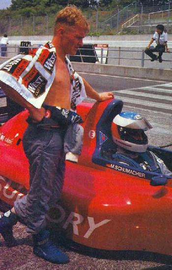 Michael Schumacher y Johnny Herbert Team LeMans