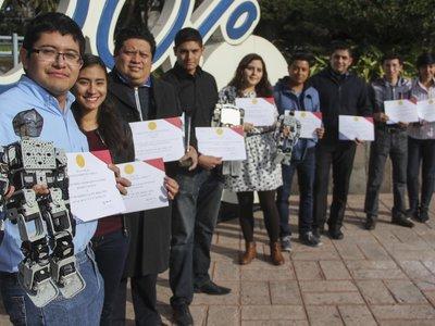 Obtienen primer lugar en concurso de robótica en China estudiantes de Querétaro