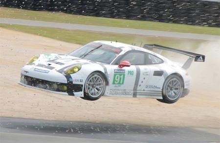 24 horas de Le Mans 2014: Porsche obligada a sustituir uno de los chasis de sus 911 RSR