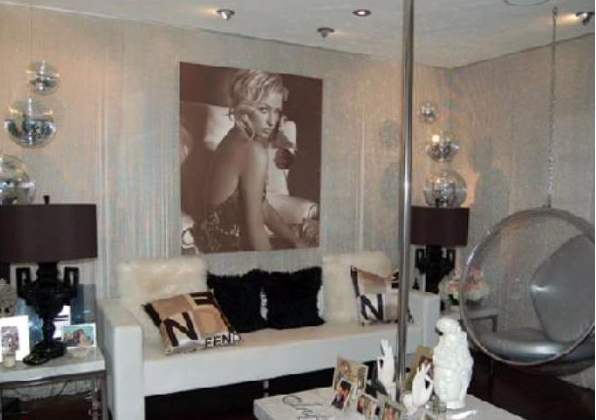 Una sala de la casa de Paris Hilton