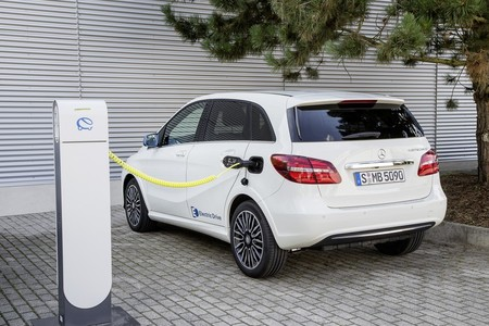 Mercedes Benz Clase B Electrico Recarga