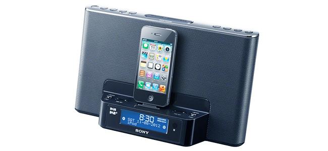 Sony XDR-16iP, un radio despertador con base para iPhone y iPod