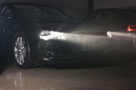 Faros LED adaptativos con Matrix Beam (Audi)