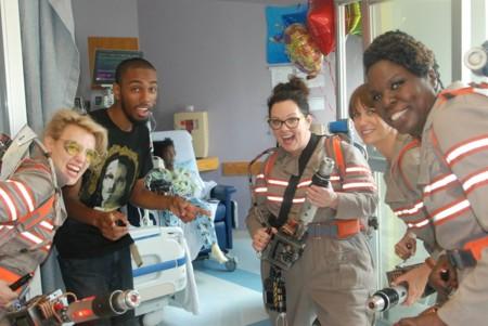 Las Cazafantasmas visitan un hospital de Boston