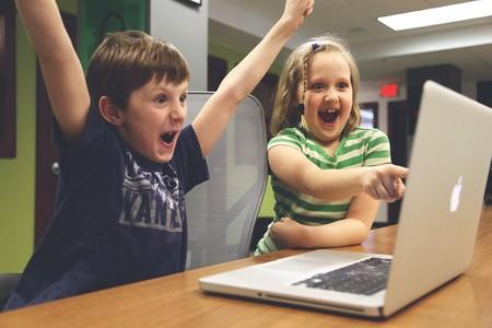 niños-delante-de-ordenador