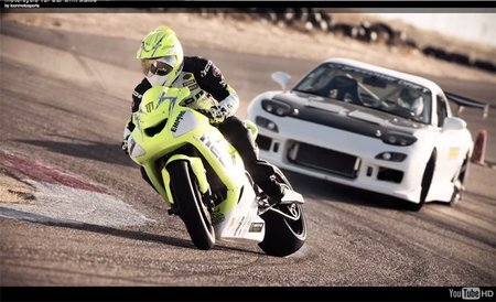 Mazda RX-7 vs. Kawasaki ZX10R, las motos también derrapan