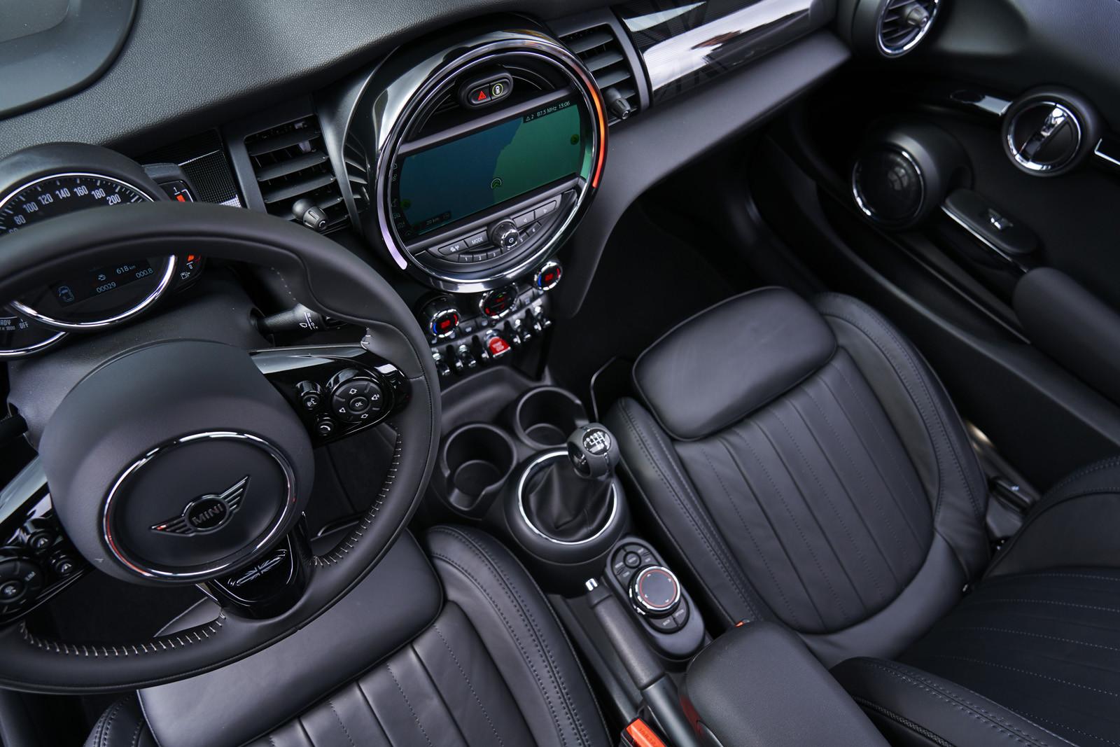 Foto de MINI Cooper S Cabrio 2019 (prueba) (37/61)
