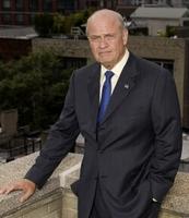 El fiscal de la serie Ley y Orden se presenta a candidato a la presidencia de los E.E.U.U.