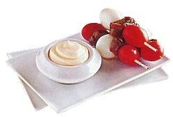 Brochetas de huevos de codorniz