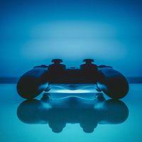 """China quiere atajar la """"adicción a los videojuegos"""" en menores: solo podrán jugar una hora y media al día"""