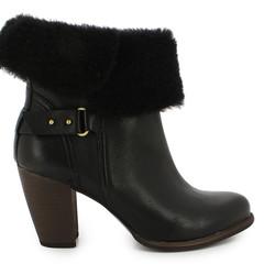 Foto 18 de 19 de la galería las-botas-ugg-se-reinventan-para-lucir-los-pies-mas-calentitos-con-mucho-estilo-y-copiando-a-las-it-girls en Trendencias
