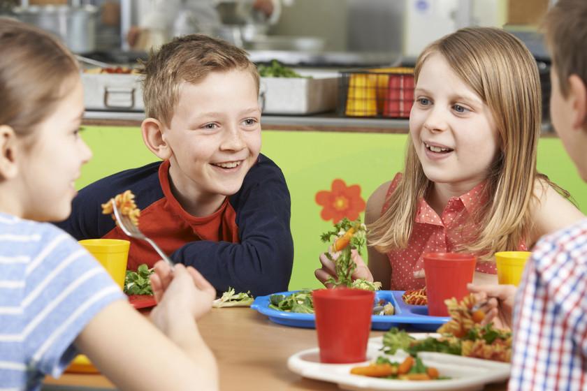 Cuánto cuesta el menú del comedor escolar de tu hijo según la comunidad autónoma donde vivas