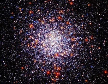 """Cada año nos caen 5.200 toneladas métricas de micrometeoritos: así nos """"invade"""" el polvo extraterrestre, según un estudio"""