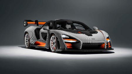 El McLaren Senna ya tiene su réplica a tamaño real de LEGO: no podrás conducirlo, pero sí escuchar su motor V8