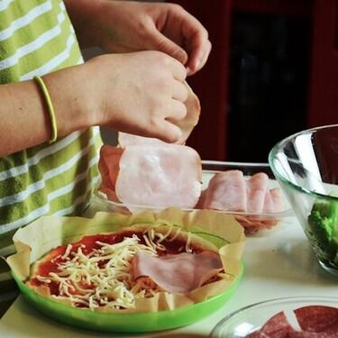 Las cinco reglas básicas para cocinar con niños y pasar tiempo de calidad con ellos