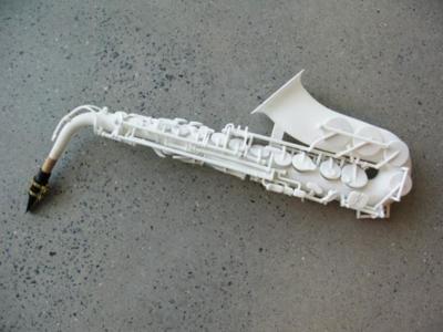 Olaf Diegel y su banda de instrumentos 3D tienen un nuevo miembro: un saxofón