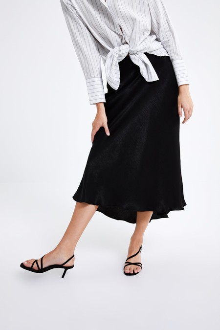 355216928 Zara tiene las faldas perfectas para tus looks de invitada