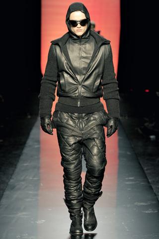 Foto de Jean Paul Gaultier Otoño-Invierno 2011/2012 en la Semana de la Moda de Paris (31/40)