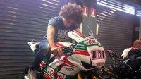 Marco Simoncelli prueba la Honda CBR1000RR del equipo Castrol de Superbikes