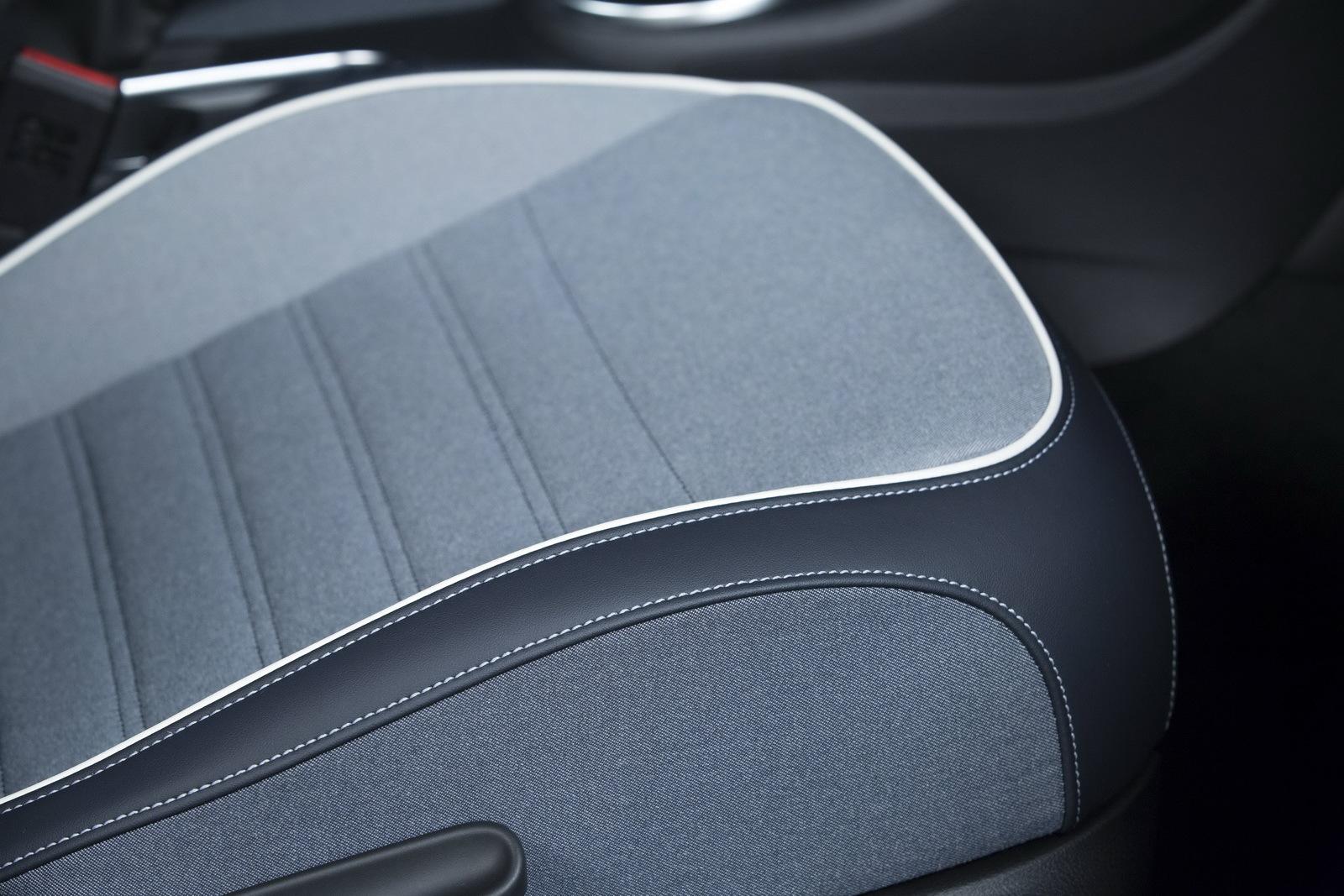 Foto de Volkswagen Beetle Cabrio Denim Edition (12/17)