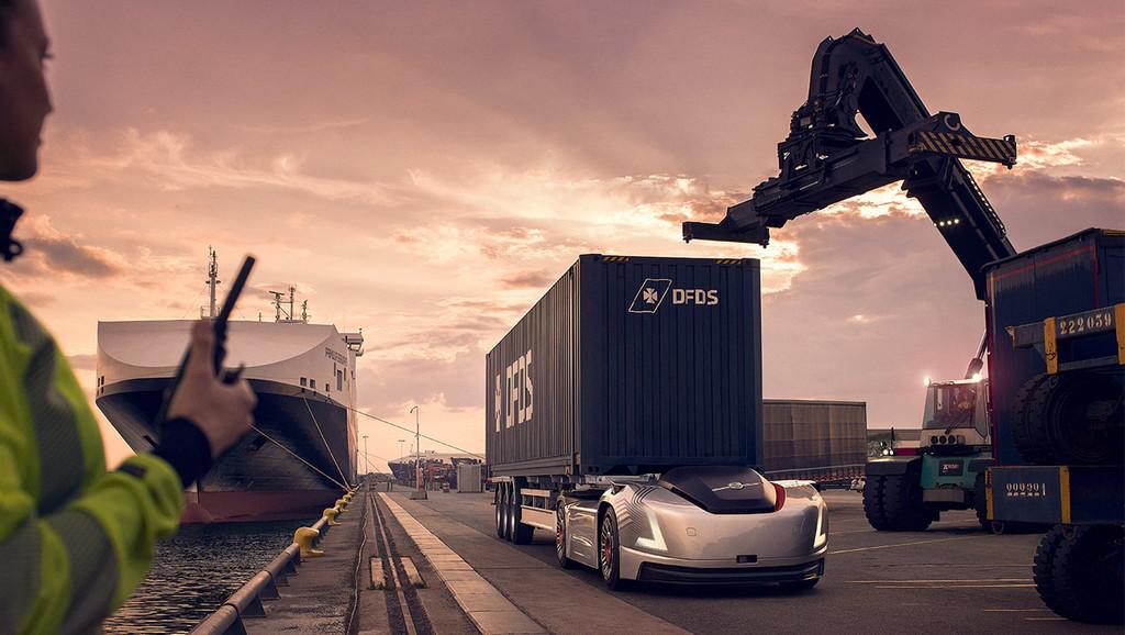 Así se imagina Volvo los camiones eléctricos y autónomos del futuro: sin cabina y casi como si un deportivo tirase de ellos