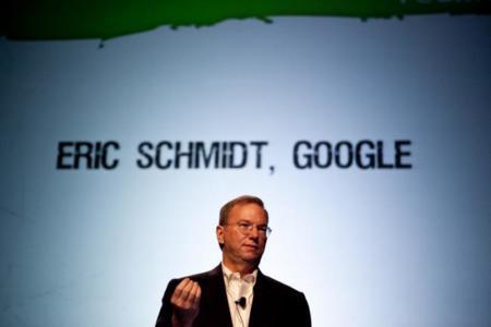 """Eric Schmidt defiende a Uber: """"Europa tiene que recibir el cambio con brazos abiertos"""""""