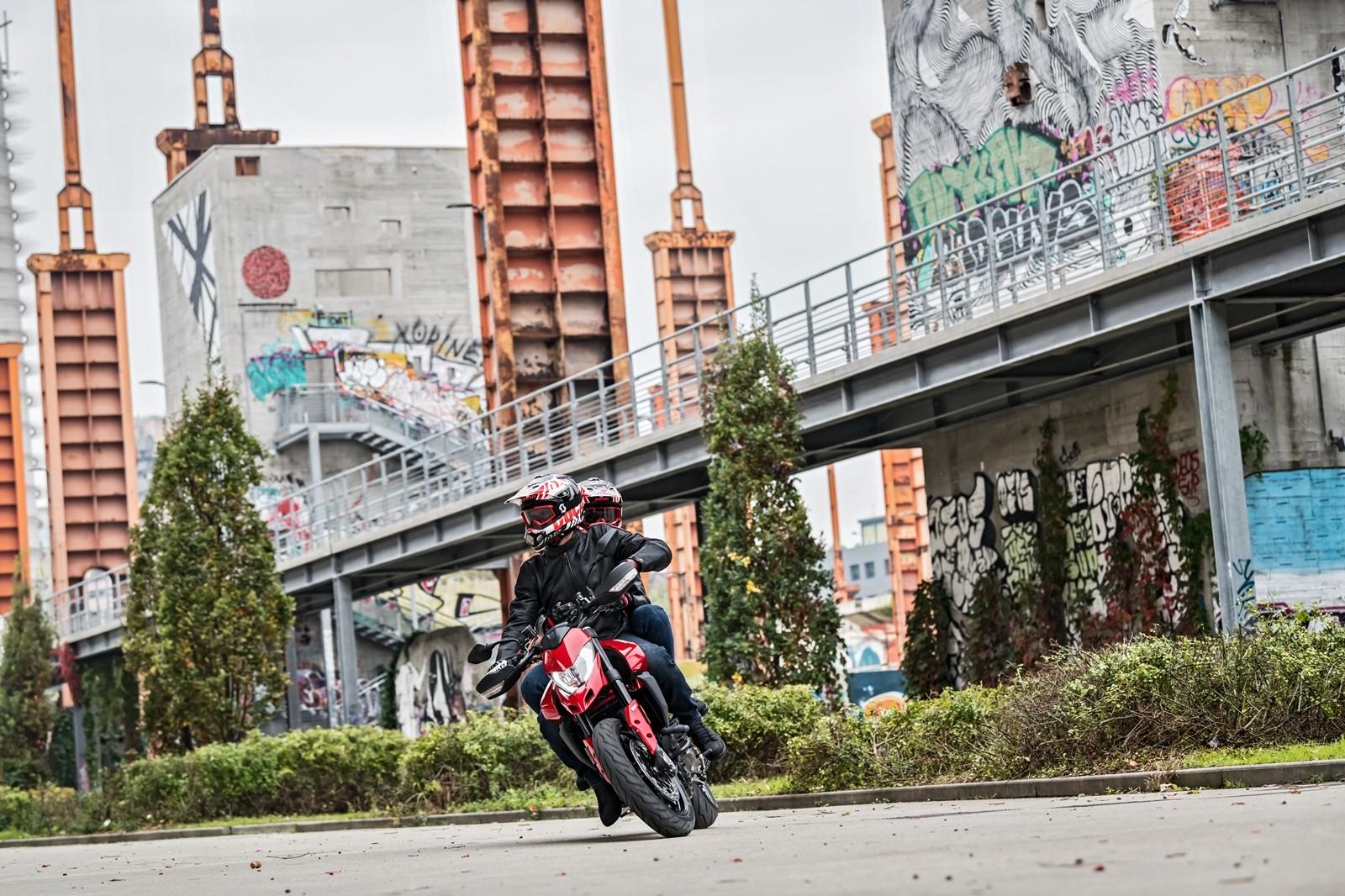 Foto de Ducati Hypermotard 950 2019 (34/76)