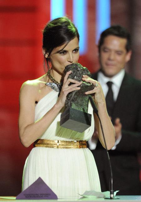 Lo que el ojo no vio en la Gala de los Goya 2012: complementos de ensueño, momentos de emoción