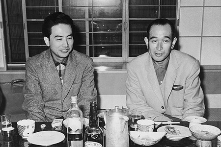 Muere a los 100 años Shinobu Hashimoto, guionista de las míticas 'Los Siete Samuráis' y 'Rashomon'