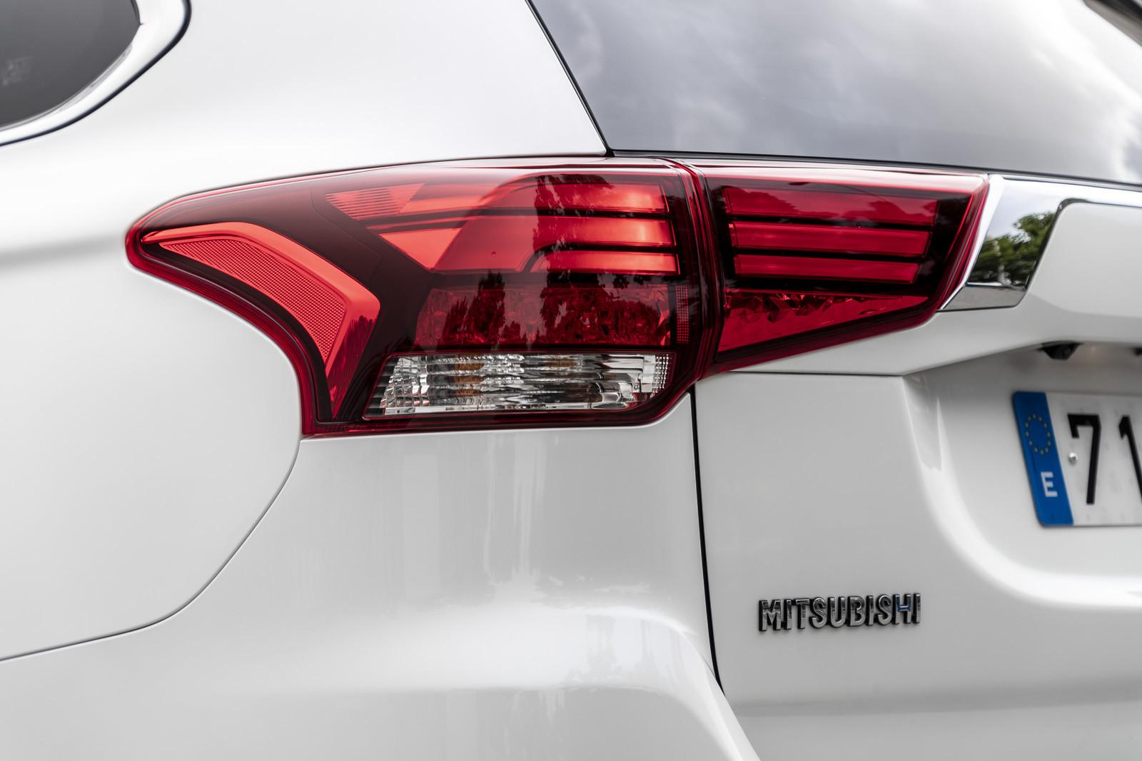 Foto de Mitsubishi Outlander PHEV 2019 (presentación) (66/69)