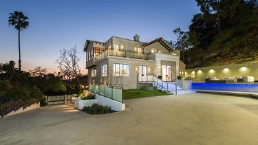 Descubre la nueva casa de Rihanna en California
