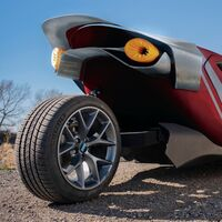 Este triciclo eléctrico promete ser el más rápido del mundo y minar criptomonedas mientras está aparcado