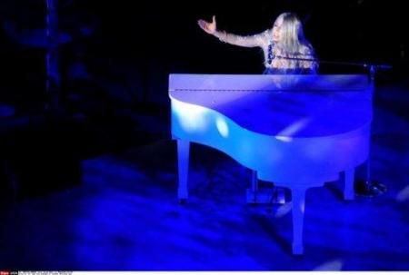 Lady Gaga y su ataque de pánico en el MET Costume Institute enfundada en un Armani