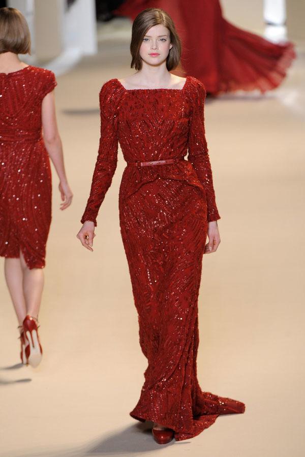Foto de Elie Saab Otoño-Invierno 2011/2012 en la Semana de la Moda de París: la alfombra roja espera (8/32)