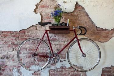 Un soporte para la bicicleta con escondite secreto de almacenaje