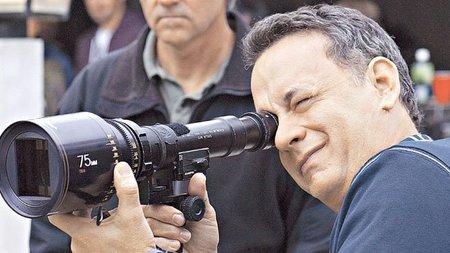 Tom Hanks regresa a la II Guerra Mundial para tratar la llegada del nazismo