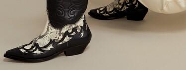 Mango Outlet nos propone siete zapatos con efecto serpiente por menos de 50 euros para añadir a la carta de los Reyes Magos