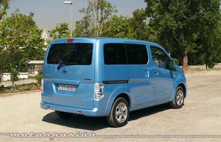 nissan-env200-evalia-650-mp-04.jpg