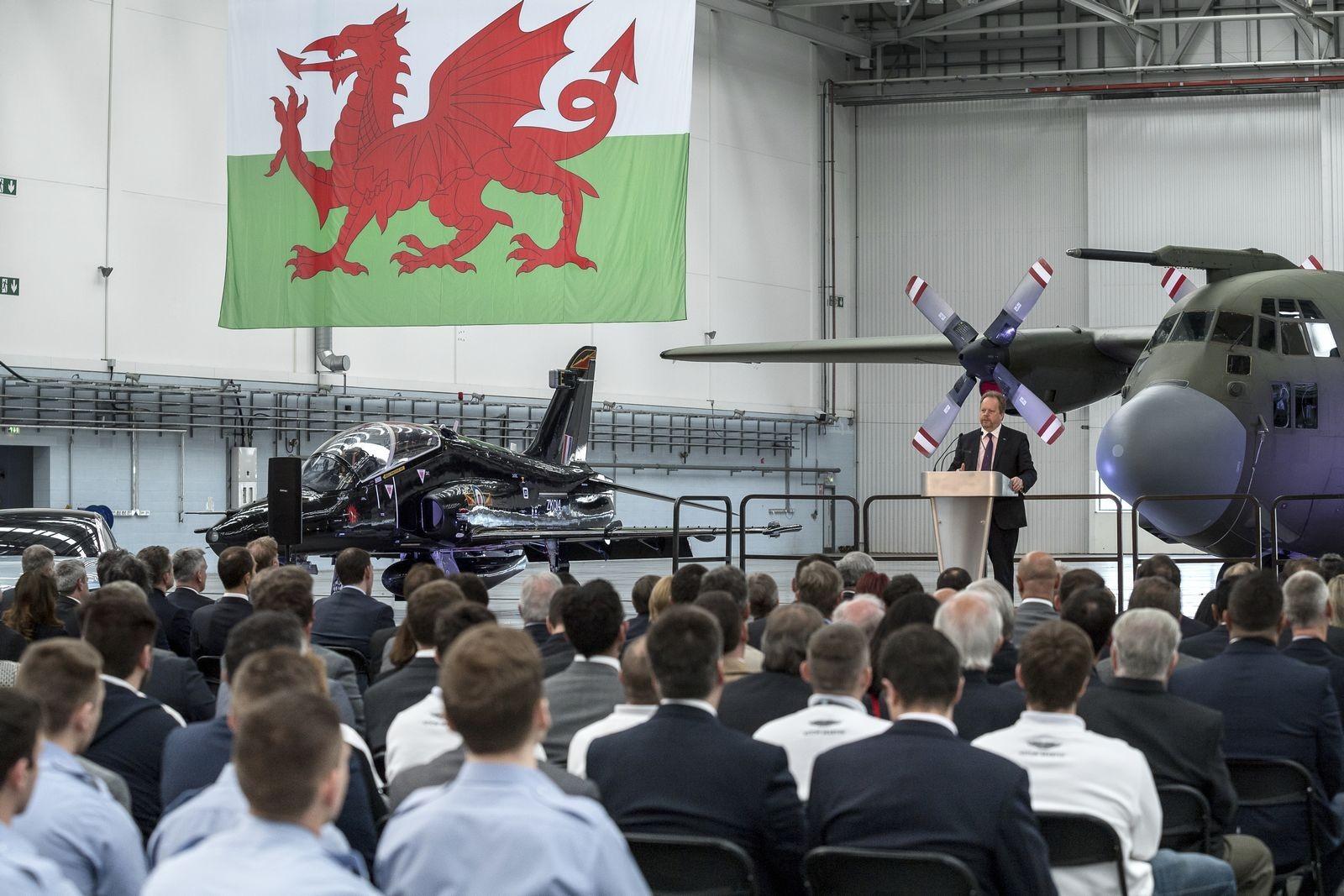Foto de Fábrica Aston Martin en Gales del Sur (3/9)