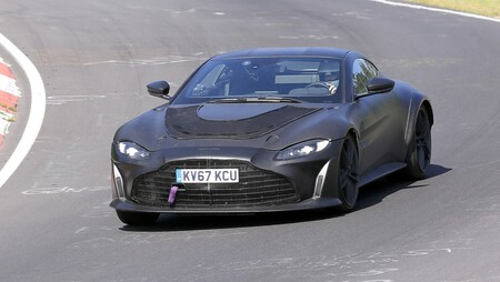 El Aston Martin Vantage RS se deja ver en Nürburgring sin apenas camuflaje, y es de lo más tentador