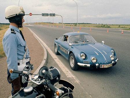 Especial coches policiales: La Gendarmería francesa