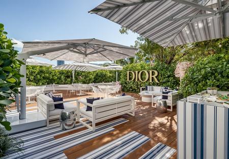 Soñando con un verano lujoso y relajante en el pop-up café de Dior en Miami