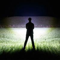 Esta linterna casera dobla los lúmenes de un proyecto cinematográfico