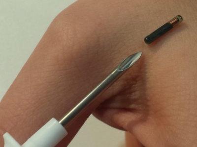 De la ficción a la realidad: chips NFC implantados en la piel para ayudar en tareas diarias